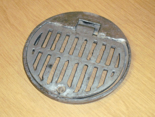 Round Alloy Hinged & Locking Grate