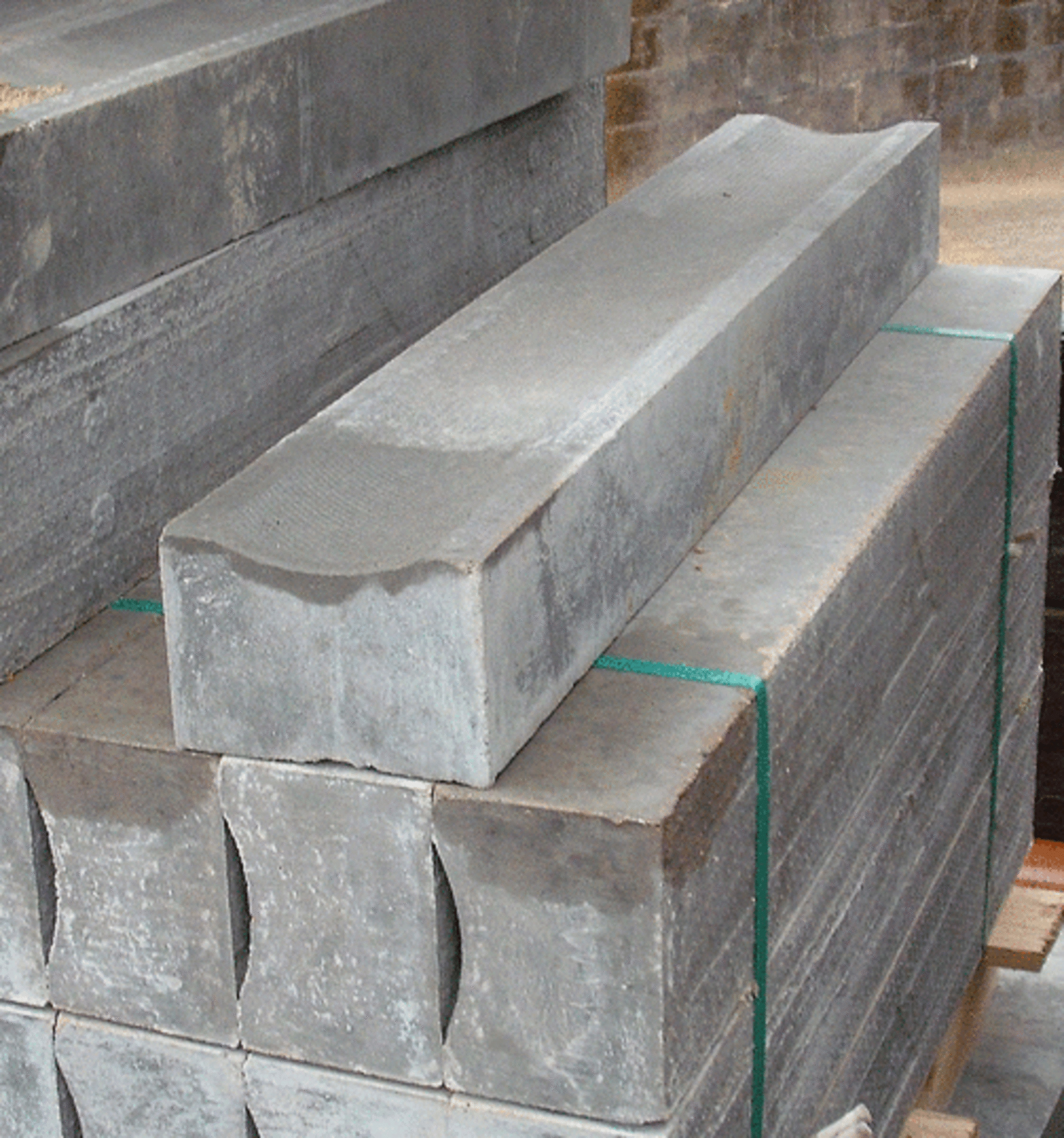 Concrete Dished Channel Kerb