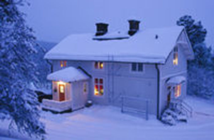 snow-covered-house-md A4